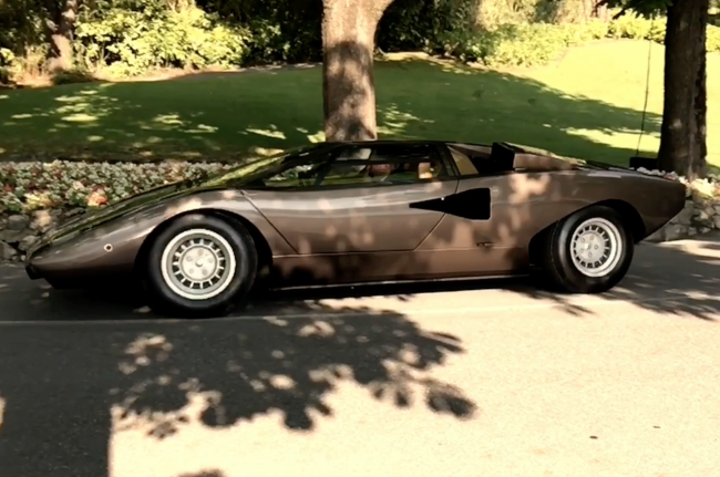Video: Reflections and shading study - Lamborghini Countach LP400